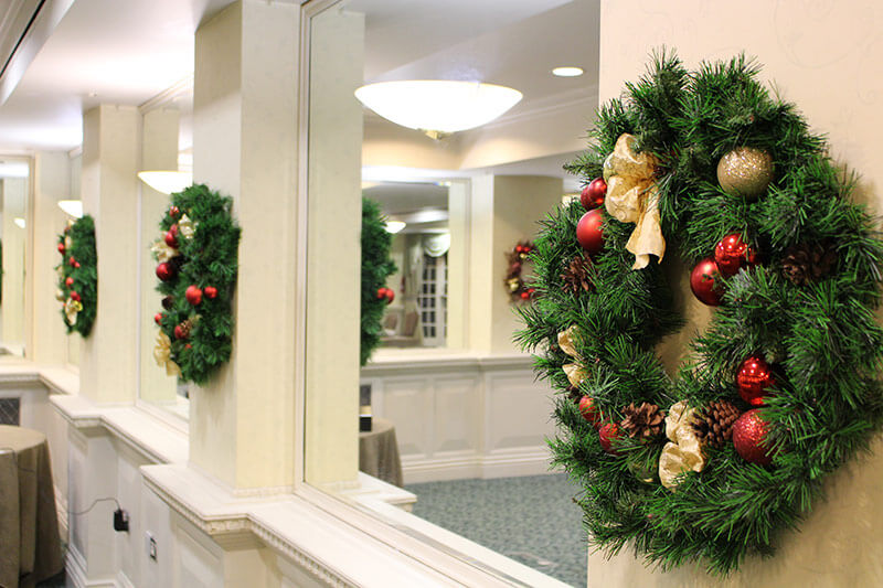 Leaflike Christmas Wreathes